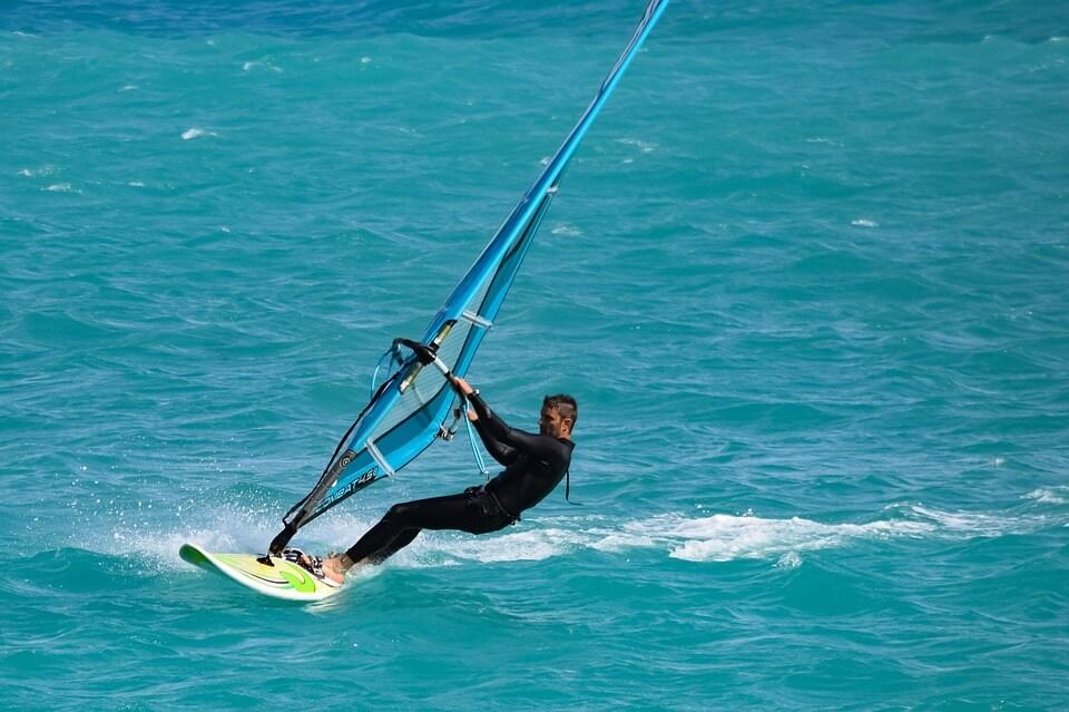 secado de trajes de neopreno de kitesurf