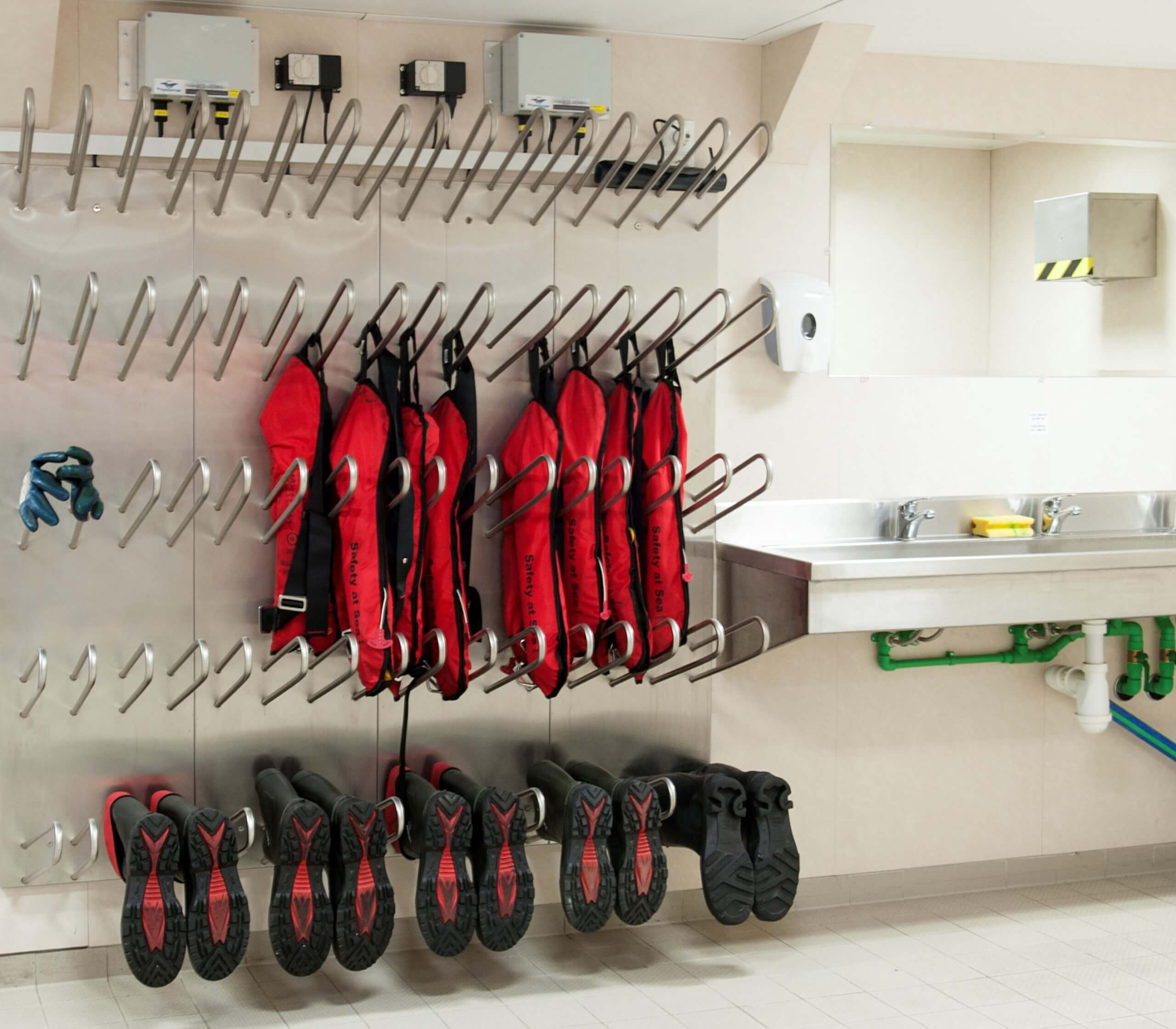 offshore drying system for life jackets, boots and gloves